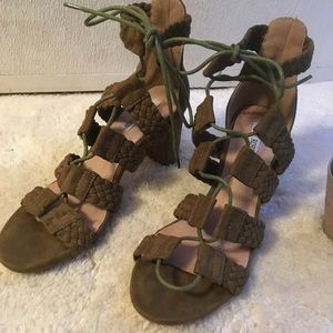 Cape Robbin Olive Lace Up Heels Sz 6.5